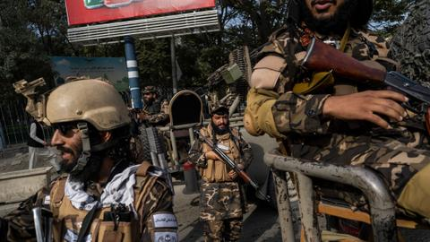 Taliban hangs up body in main square of Herat city