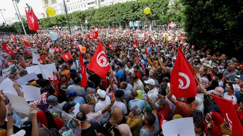 Why is anti-Saied sentiment on the rise in Tunisia?
