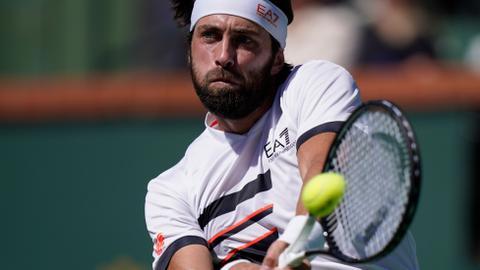 Basilashvili beats Tsitsipas to reach Indian Wells semis