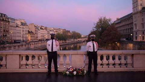 France remembers Algerian massacre 60 years on