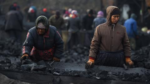 China eyes coal price intervention to curb cost spikes