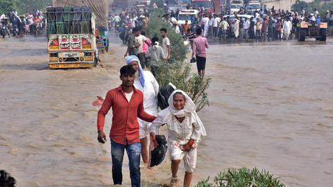 Death toll in India and Nepal flash floods crosses 180