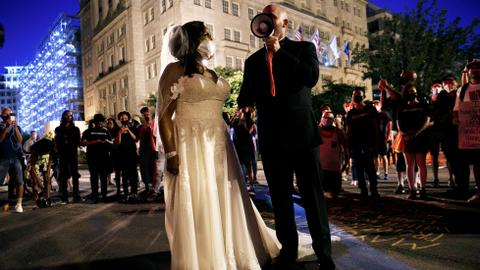 Why are more Americans choosing to turn away from marriage?
