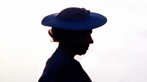 What do we know about Queen Elizabeth II's health status so far?