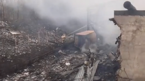 Fire kills over a dozen people at Russian explosives factory