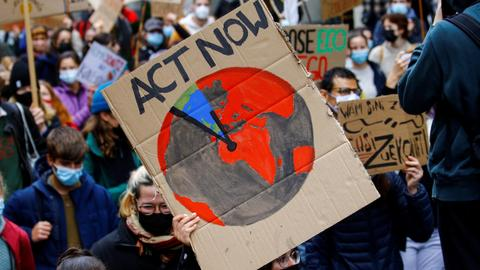 HL: Global climate protests push for more government action