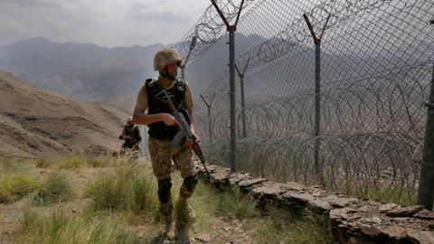 Several militants and soldiers killed in Pakistan raids