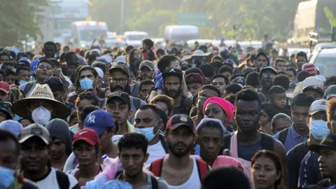 Thousands of migrants continue exodus through southern Mexico