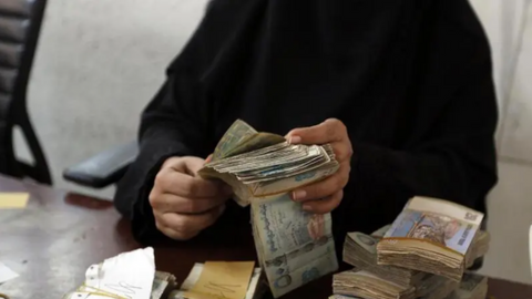 Small businesses in Yemen fall victim to both war and a currency crash