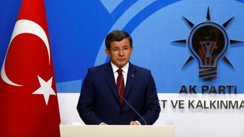 Davutoglu not to run in AK Party congress on May 22