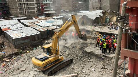Kenyan woman pulled out alive after six days in rubble