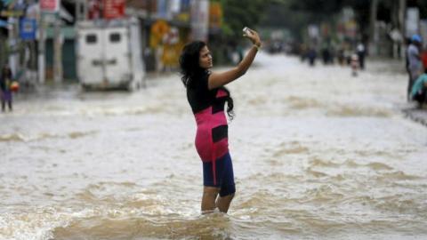 Sri Lanka's flood selfie goes viral on social media