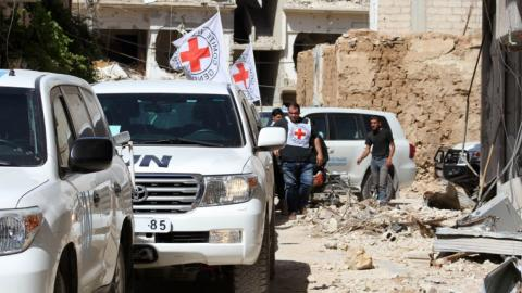 Besieged Syrian town of Daraya receives aid after 4 years