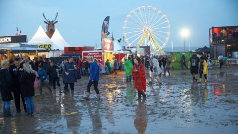 Rock am Ring festival cancelled after lightning strikes