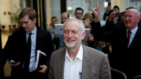 Corbyn to be automatically included on leadership ballot