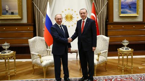 Packed agenda features meeting between President Erdogan and Putin