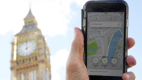 Uber boss to meet London transport chief in bid to keep licence