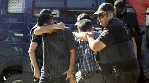 Greece to extradite pro-coup soldiers within 2 weeks