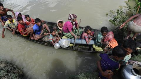 Death toll rises to 23 after boat carrying Rohingya refugees capsizes