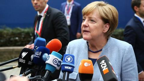 Merkel praises Turkey for handling refugees