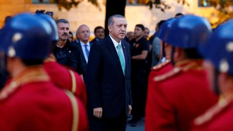 Erdogan reassures investors in address to parliament