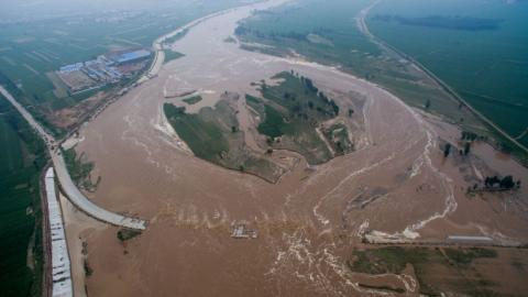 Heavy rains kill 150 in China, force thousands to evacuate