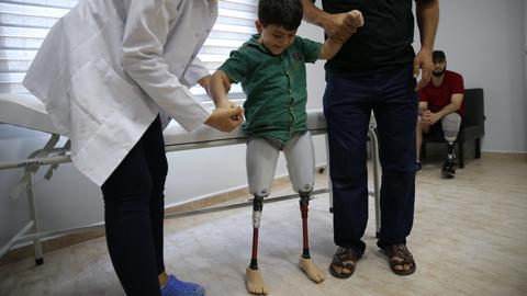 This Syrian boy lost his legs in the bombing of Idlib