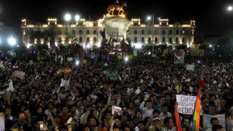 Thousands of Peruvians march against Keiko Fujimori