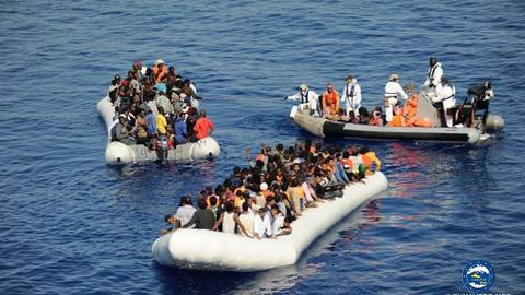Some 700 refugees and migrants rescued in Mediterranean, 23 found dead