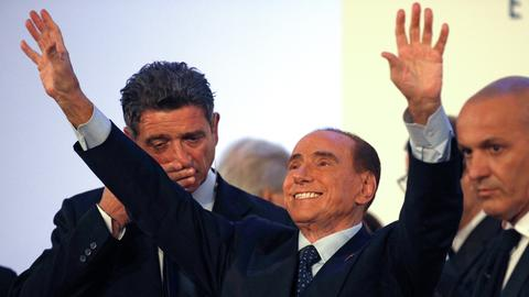 Eyeing national vote, Berlusconi celebrates win for centre right in Sicily