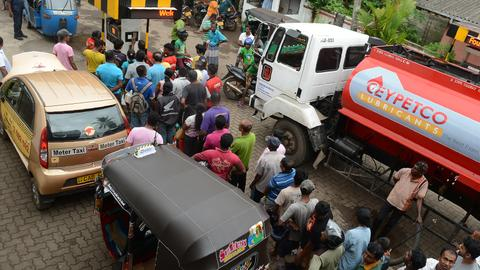 Fuel shortage grips Sri Lanka
