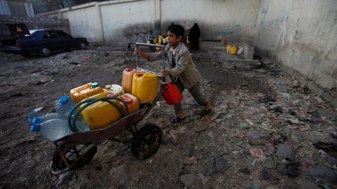 UN and Red Cross urge Saudi-led coalition to reopen aid lifeline to Yemen
