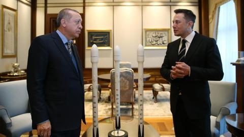 Erdogan, Musk talk electric cars, environment in Ankara meeting