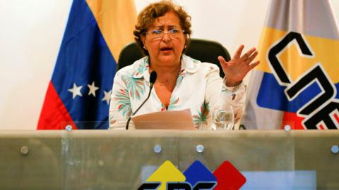Venezuela opposition clears first hurdle to recall president