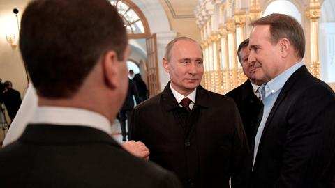 Putin discusses prisoner swap in first direct contact with separatists