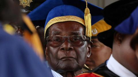 Mugabe makes defiant appearance after military takeover
