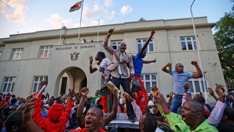 Zimbabweans celebrate resignation of longtime president Mugabe