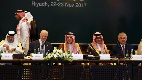 Syrian opposition HNC meets in Riyadh to find