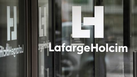 Lafarge executive charged with financing Daesh and other militants