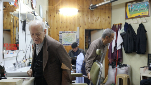Turks and Greeks exude warmth in a barbershop