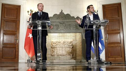 Turkey, Greece agree to co-operate, despite lingering issues