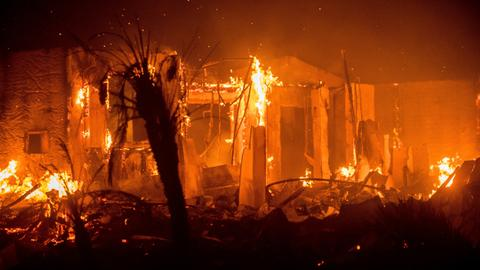 Wildfires engulf San Diego retirement communities