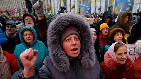 Protesters in Ukraine call for Poroshenko's impeachment