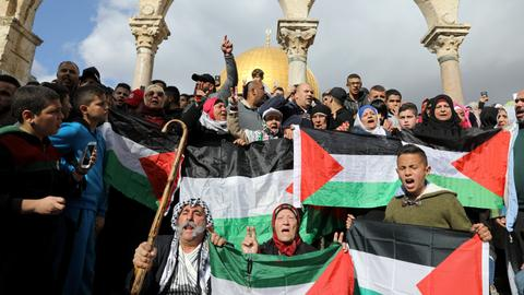 In Pictures: Protests continue over US move on Jerusalem