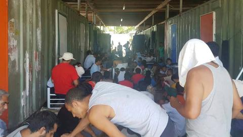 Detained Manus asylum seekers win right to sue PNG for compensation