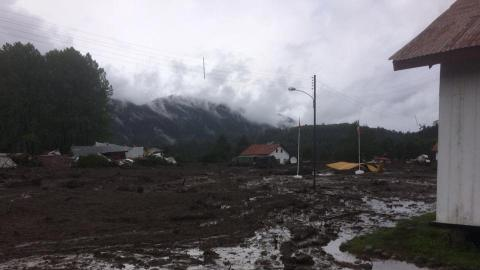At least five killed, 15 missing in southern Chile mudslide