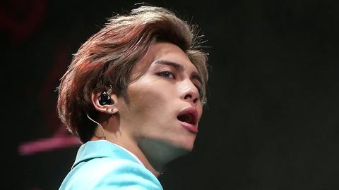 Lead singer of South Korean boy band Shinee dies