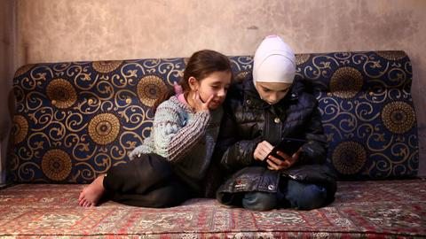 Two Eastern Ghouta girls tweet  about life under siege in Syria