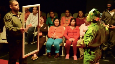 Mexican prison inmates aim to resettle in society through theatre art