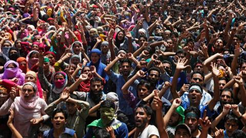 Kashmir: Indian forces kill five as protests intensify